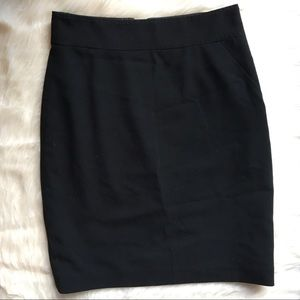 T Tahari black pencil skirt 6P 6 petite